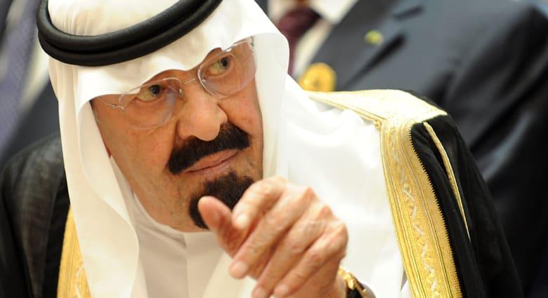 بن صقر: الرياض تريد تحديد موقف أمير قطر من تسريبات القذافي لوالده.. والدعم لمصر مستمر