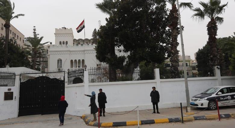 ما أسباب دعوة القاهرة لاجتماع إقليمي حول ليبيا بحضور دول الجوار؟