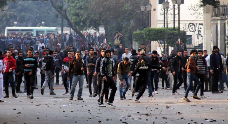 مصر.. مصادمات بين الأمن والإخوان وإحراق أعلام أمريكا وإسرائيل والإمارات
