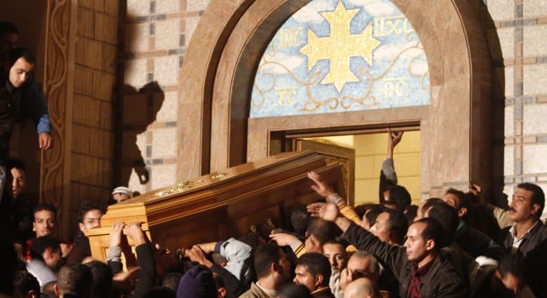 مصر : قتيل و 16 جريحاً في اشتباكات بين مسلمين ومسيحيين في القليوبية