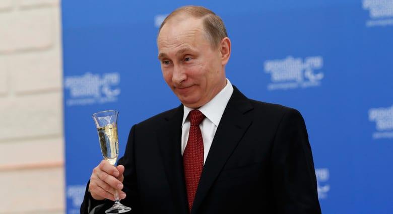 بوتين: سنكافئ الجنود الروس الذين دعموا قوات الدفاع الذاتية بالقرم