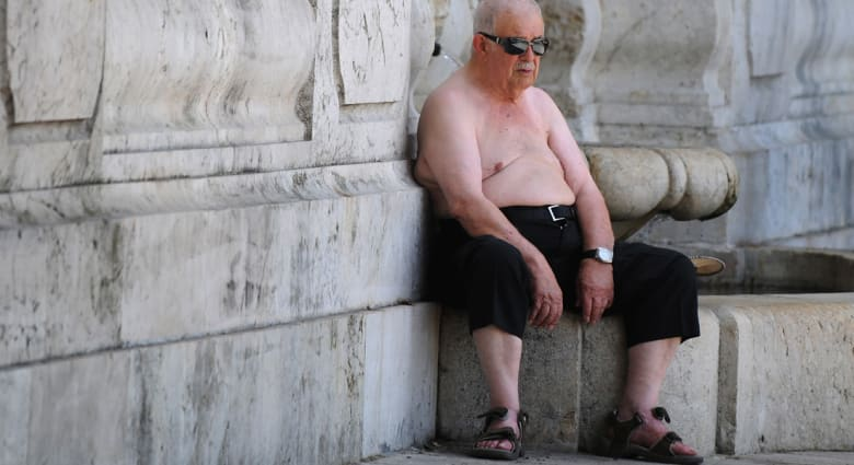 دراسة: الخمول لدى كبار السن يمكن أن يعني تقلصاً في أدمغتهم