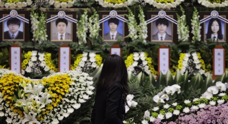صبي من السفينة الكورية كان أول من طلب النجدة والضحايا بارتفاع