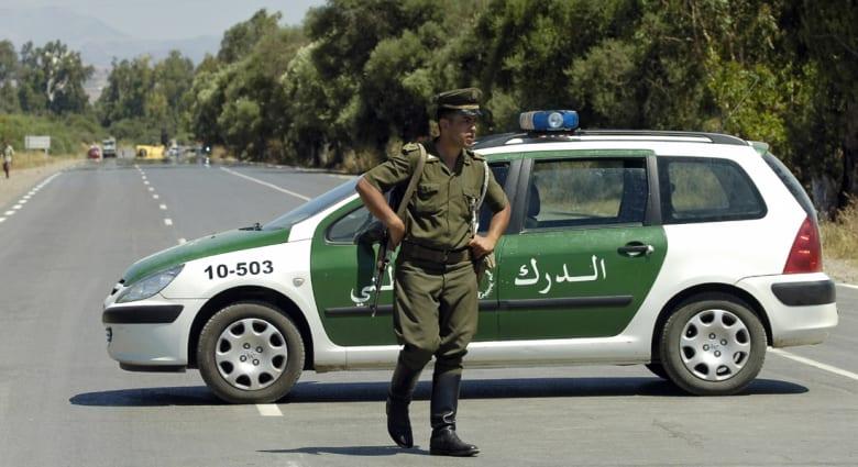 الجزائر.. مقتل 13 مسلحاً وضبط 25 أجنبياً بحملات للجيش على الحدود