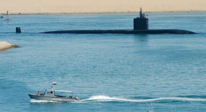 القاهرة توضح قضية محاولة تهريب غواصة أمريكية بطائرة قطرية