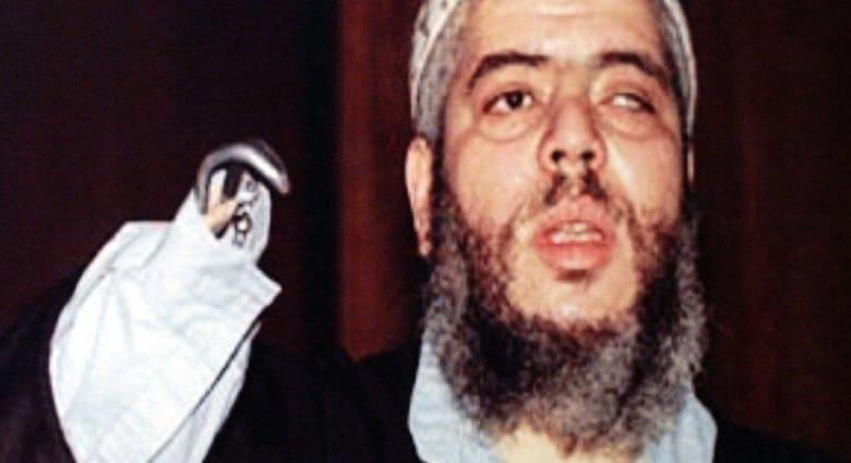 أبوحمزة المصري يواجه محاكمته بالإرهاب: أدرت في لندن ناديا للعراة