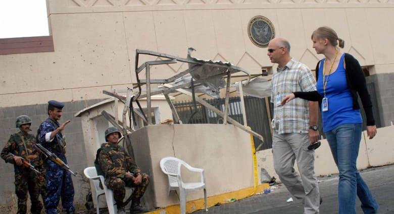 مصادر لـCNN: تهديدات جدية وراء وقف الخدمات بسفارة واشنطن في صنعاء