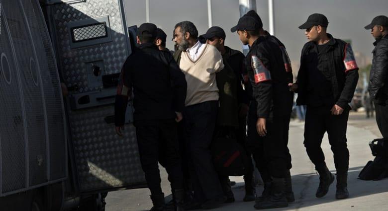 مصر: مقتل وجرح 6 شرطيين بمواجهات مع مسجلين وعناصر إخوانية