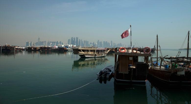 شعراء قطر والإمارات يدخلون بقوة على خط الأزمة بين البلدين