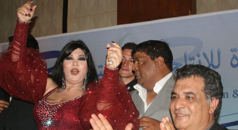 """عمرو واكد يهاجم لجنة """"الكفتة العليا"""" للانتخابات.. وفيفي عبده تناشد المصريين التصويت"""