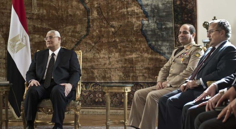 في آخر ساعاته بالقصر الجمهوري .. الرئيس منصور يلغي قرارات مرسي