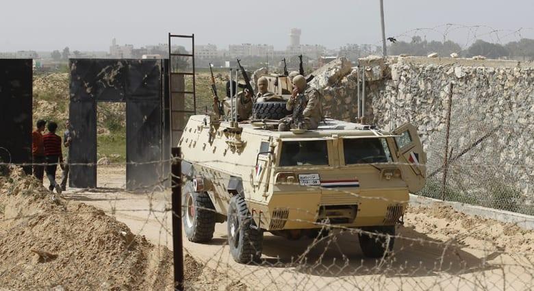 """مصر: مقتل 6 عسكريين، بينهم ضابط، بهجوم لـ""""خارجين عن القانون"""""""