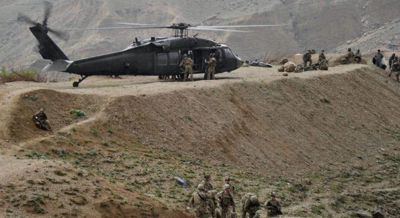 """التصوير في خوست.. طالبان تنشر فيديو مبادلة الأمريكي """"بيرغدال"""" مع عناصرها"""