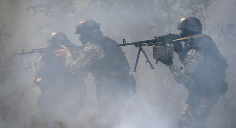 أوكرانيا: مقتل 300 من الموالين لروسيا وجرح 500 آخرين بالاشتباكات مع الجيش الثلاثاء
