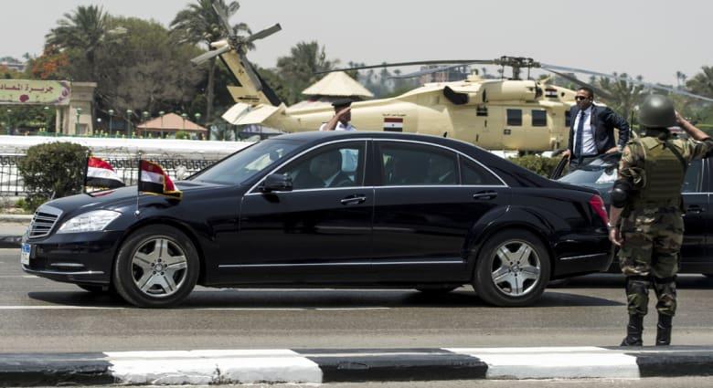 السيسي: لأول مرة يصافح رئيس منتخب الرئيس المنتهية ولايته بتاريخ مصر