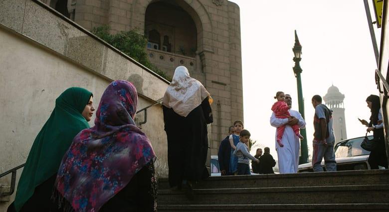 """صحف: جدل """"الصلاة على النبي"""" في مصر ودمية على شكل بن لادن"""