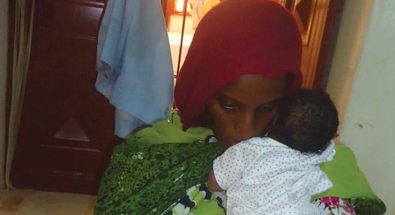 """مصادر: بعد نجاتها من الإعدام .. السلطات السودانية تعيد اعتقال """"المتهمة"""" بالردة"""