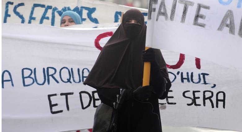 المحكمة الأوروبية: قرار فرنسا حظر النقاب قانوني
