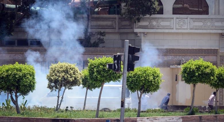 """بعد يوم من """"تفجيرات الاتحادية"""".. اعتقال الصحفي مجدي حسين وصهر القرضاوي"""