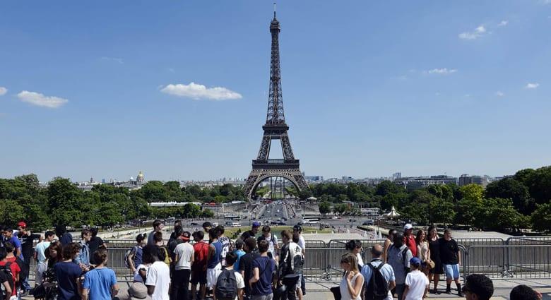 صحف العالم: إحباط خطة لتفجير برج إيفل ومتحف اللوفر في باريس