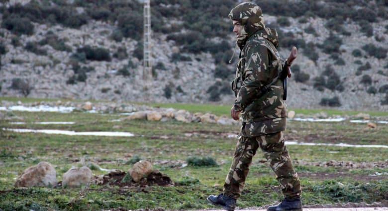 مقتل 7 من أفراد الأمن الجزائري في انفجار قنبلة