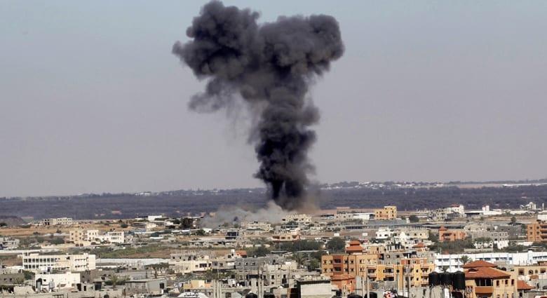 مقتل 4 أطفال في غزة ..عباس إلى القاهرة.. وحماس تطالبه بتبني موقفها