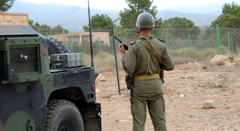 تونس : مقتل 14 جنديا وجرح 20 في هجومين بالقذائف والرشاشات على نقطتين عسكريتين