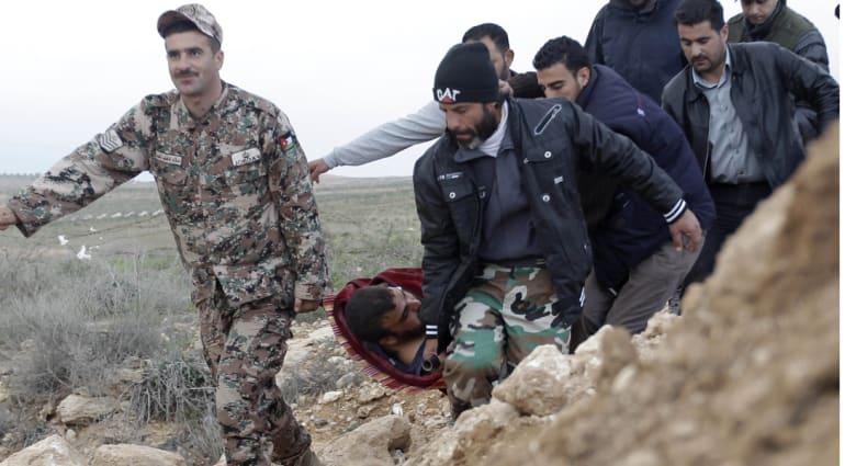 وفاة 12 جريحا سوريا نتيجة النزف من بين 46 مصابا استقبلهم الأردن