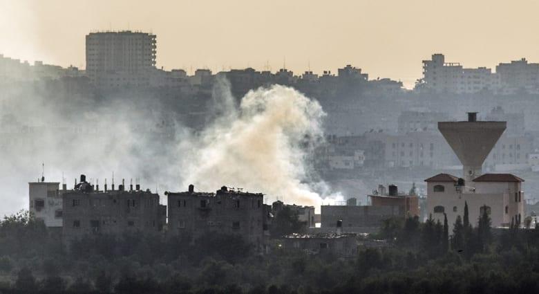 عباس إلى الدوحة للتهدئة .. إسرائيل تلقت 1663 صاروخا وشنت 2300 غارة بحصيلة 342 قتيل و 70% مدنيون