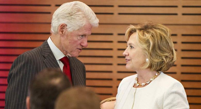صحف العالم: 160 مليون دولار ثروة بيل وهيلاري كلينتون منذ مغادرة البيت الأبيض