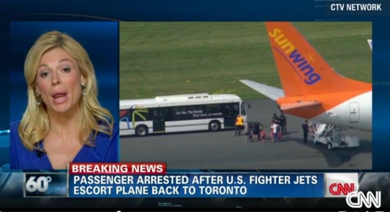 """بالفيديو.. والد كندي اعتقلته قوة """"سوات"""" داخل طائرة: ابني مريض نفسيا"""