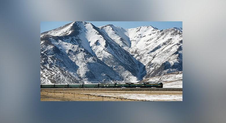 الصين تفتتح أعلى سكة حديد في العالم