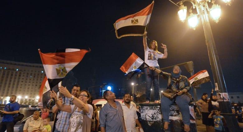 """رأي: """"المصريون بين المشاعر والعقل"""""""