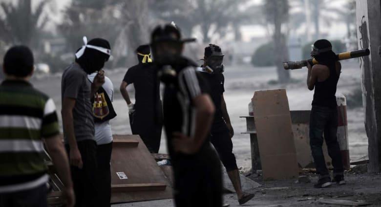 البحرين: المؤبد لـ 14 متهما بقتل شرطي بينهم شخص توفي في المظاهرات