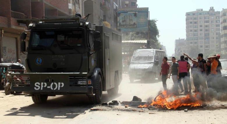 """مصر: 6 قتلى بينهم شرطي وتفكيك 23 عبوة وضبط 114 """"إخوانياً"""" بذكرى """"رابعة"""""""