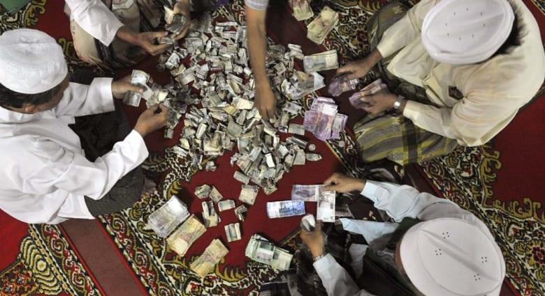 """الاقتصاد الإسلامي: هل سبق المقريزي وابن تيمية """"قانون غريشام"""" للنقود الرديئة؟"""