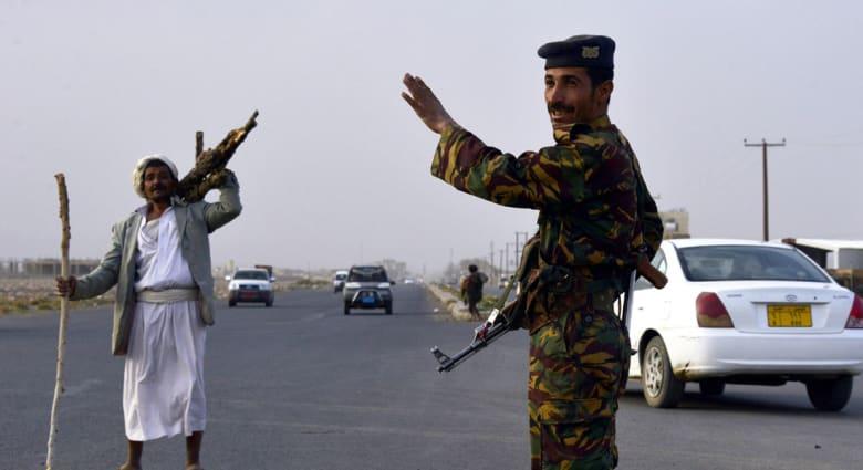 اليمن: مصرع أربعة مسلحين وجندي بمداهمة في حضرموت