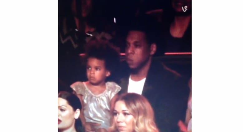 ابنة بيونسيه تخطف منها الأضواء في حفل توزيع جوائز MTV