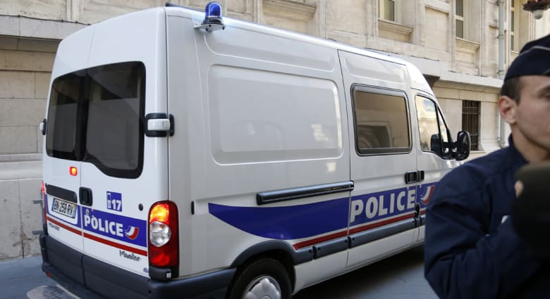 الجزائر تطالب فرنسا بخلفيات وفاة اثنين من رعاياها