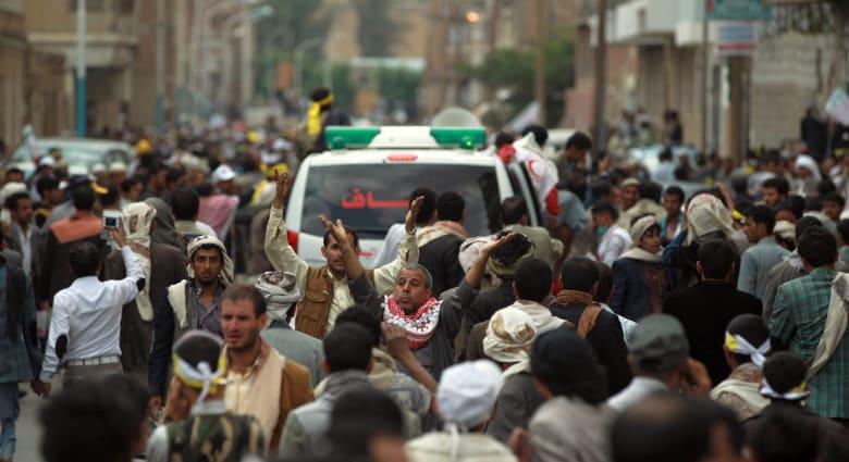 اليمن: قتلى بين صفوف متظاهرين حوثيين وتبادل إطلاق نار في مدخل العاصمة الجنوبي