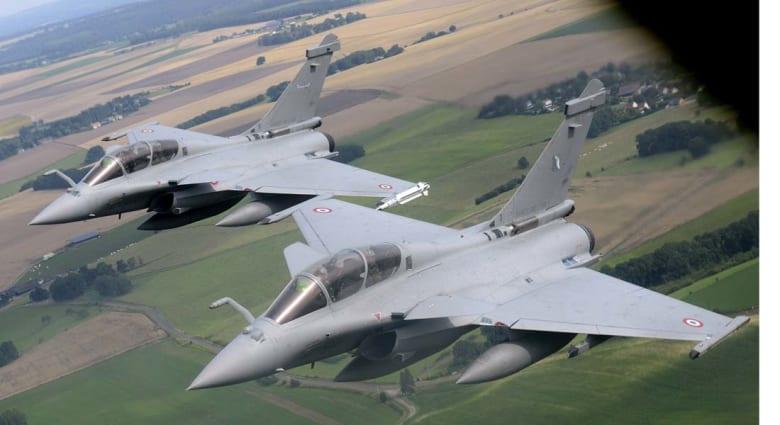 """فرنسا تدخل الحرب على """"داعش"""" بغارات على أهداف للتنظيم شمال العراق"""