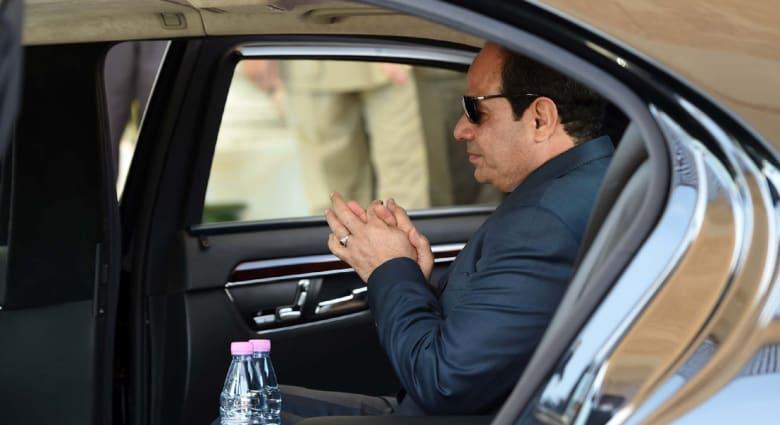 رسالة من الملك السعودي للسيسي.. صحة الحجيج..  مغربية تحتال على 27 ألمانيا... الأثداء الاصطناعية في فنزويلا