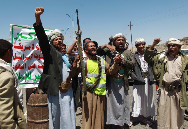 """إخوان اليمن يدعون أنصارهم للصبر.. الشرطة والحوثيون """"أصدقاء"""" ووكالات إيرانية تحذر السعودية من انتقال الثورة إليها"""