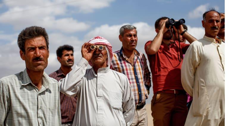 """ناشطون: غارات جديدة على مواقع """"داعش"""" في عين العرب """"كوباني"""" والتنظيم يقصف المدينة"""