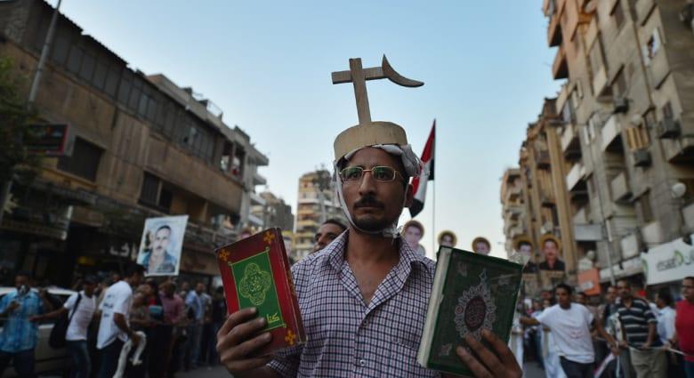 رأي.. هل مازال الهلال يعانق الصليب في مصر؟
