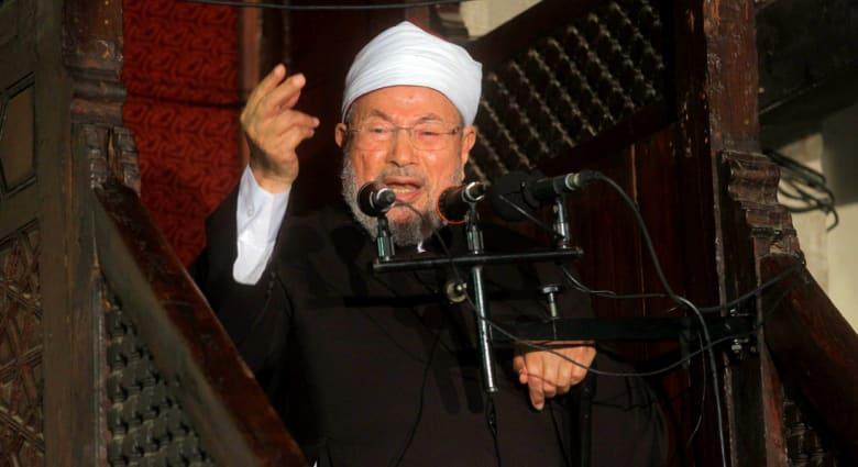 """القرضاوي: البغدادي كان من الإخوان وقد أغراه """"داعش"""" بالزعامة"""