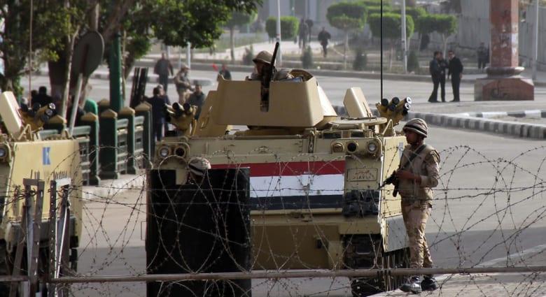 مصر: مقتل ستة جنود وإصابة خمسة جراء انفجار بجنوب العريش