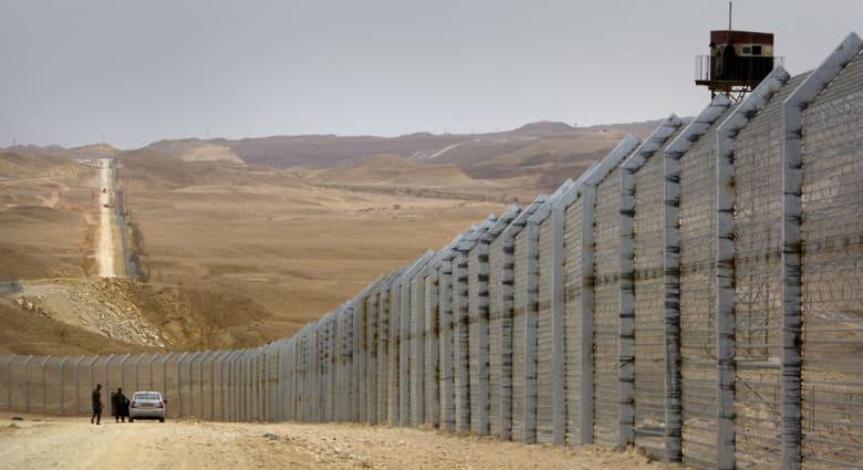 إطلاق نار على دورية إسرائيلية قرب الحدود مع مصر وتضارب حول عدد الضحايا