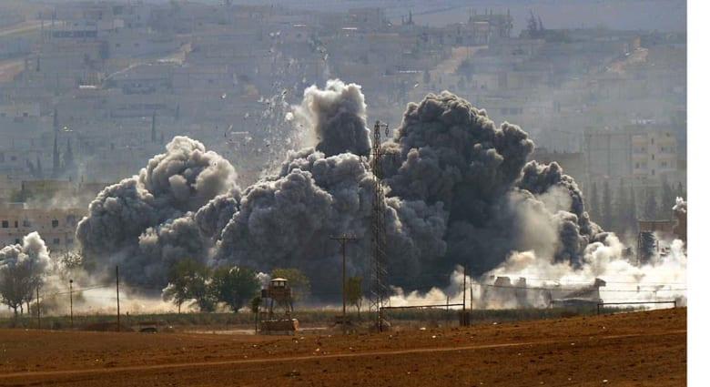 """أنباء عن مصرع 21 من """"شرطة داعش"""" والتنظيم يفجر """"مفخختين"""" في كوباني وحمص"""