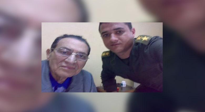 """""""سيلفي"""" لمبارك بعد حكم البراءة تثير ضجة على مواقع التواصل الاجتماعي"""